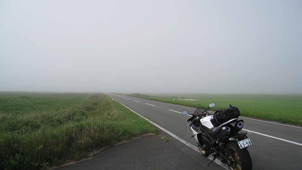 YZF-R1と霧のエサヌカ線