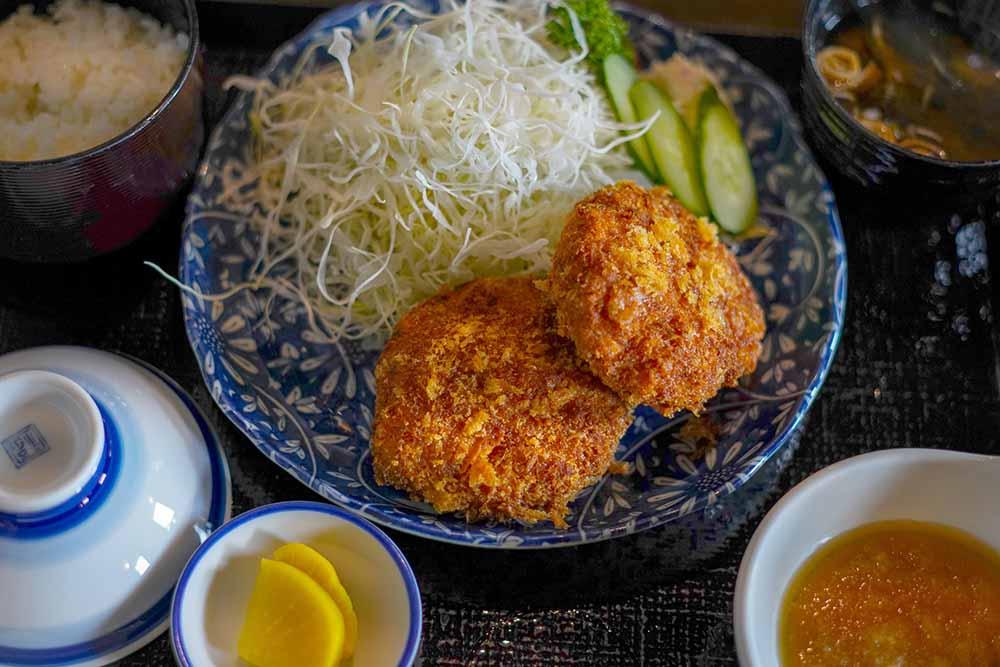 福井ホテル・バイプレーン・メンチカツ定食